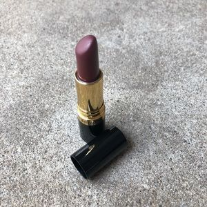 💄 Revlon Sultry Sable Lipstick